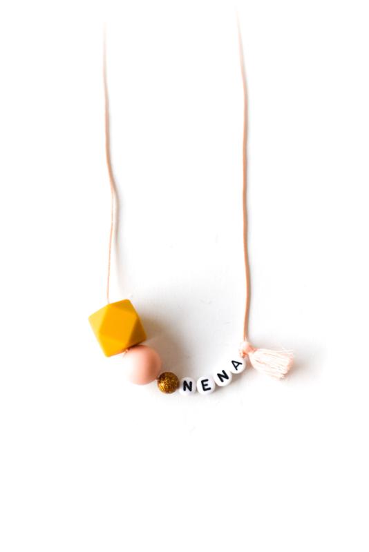 Ketting #NENA met eigen naam