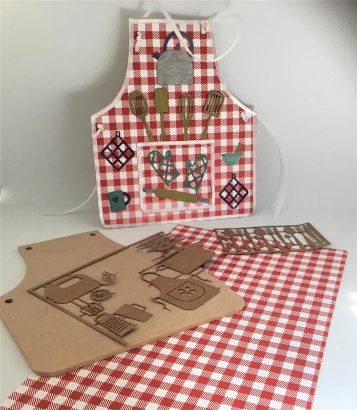 MDF Keukenschort met keukengerei - rood - 15 x 17 cm