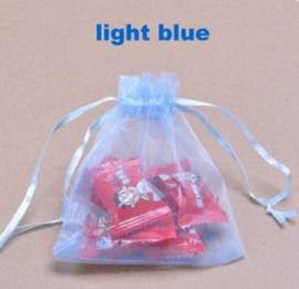 1 organza tasje 15x20cm roze of licht blauw