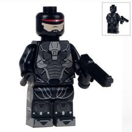 1 poppetje Robocop B