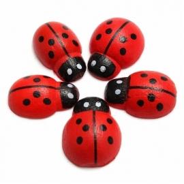 10 houten mini lieveheersbeestjes 1cm, rood met plakker