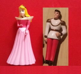set 2 figuren Aurora (Doornroosje) en Prins 7cm