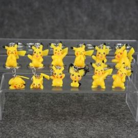 30 sleutelhangers Pokemon Pikachu 2-3cm niet naar keuze