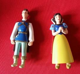 set 2 figuren Sneeuwwitje en Prins 7-8cm