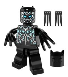 1 poppetje Black Panther c