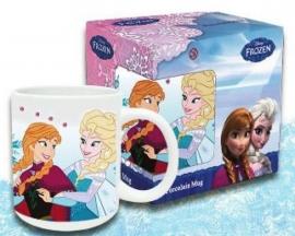 1 Porselein mok Anna en Elsa met doos
