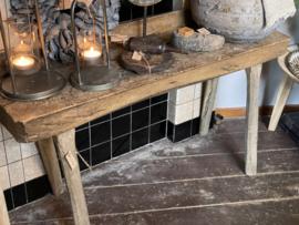 Stoere oud houten Sidetable / kinder bureau