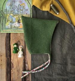 100% Wool Pixie Moss Green Flowers Size 4