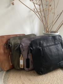Bag 2 Bag medium grote tas, model Lugo , écht leer. 4 kleuren.