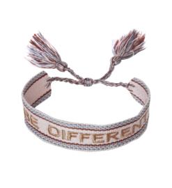 Textiel vriendschap armband. BE DIFFERENT. Roze