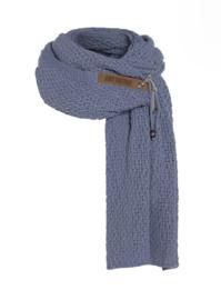 Sjaal  Luna, van het mooie merk Knit Factory.  Indigo (Lavendel Blauw)