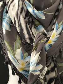 Big spring flower / Zebra grey, couture sjaal.
