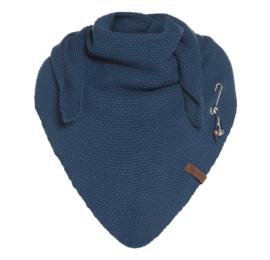 Sjaal/omslagdoek Coco van het mooie merk Knit Factory. Petrol