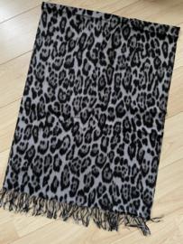Langwerpige super soft sjaal . Luipaard print. Grijs.