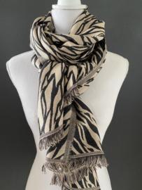 Langwerpige sjaal, 2 kanten draagbaar. Tussendoor dikte. Zwart-zand.