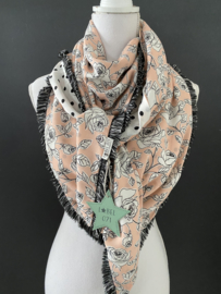 Soft pink roses   / offwhite - zwarte dot. Couture sjaal.