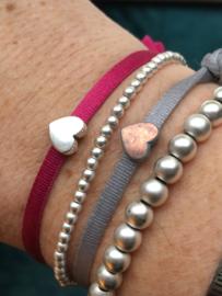 Ibiza Boho stretch  armband. Grijs, antique koperkleurig hart