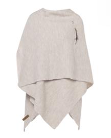 Super grote omslagdoek van het mooie merk Knit Factory. Wolwit (heeeel licht  zand)