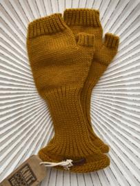 Knit Factory, gebreide handwarmers / wanten zonder vingers. Okergeel.