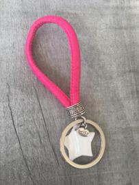 Sleutelhanger lus, Fuchsia roze + parelmoer ster.