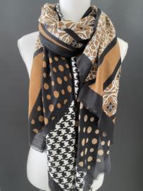 Mooie dunne langwerpige sjaal. Meerdere dessins. Cognac-offwhite-zwart.