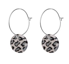 Biba oorbellen. Dunne creolen + hanger. Zilver - panter hanger grijs.