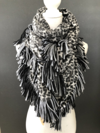 Grote vierkante super soft sjaal met dikke franje. Grijs luipaard / navy.