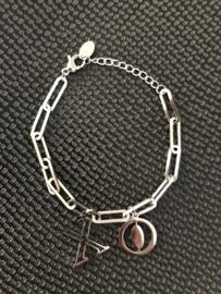 """RVS (stainless steel) armband grove schakel, bedel """"X O""""  Zilverkleurig."""