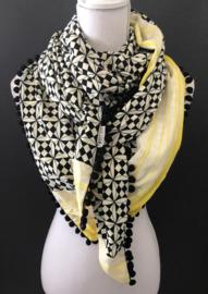 Ecru - zwart / felgeel rand patroon.  Couture sjaal.
