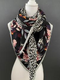 Groot winters bloemen/blad patroon (Crepe) / Grijs panterdessin,  couture sjaal.