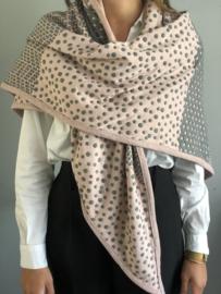 Grote 3-hoek Sjaal. Handgemaakt.  Volwassen maat. Grijs - Roze.