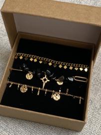 Nr 6) Armbanden SET van stainless steel, 3 stuks in doosje. Goudkleurig