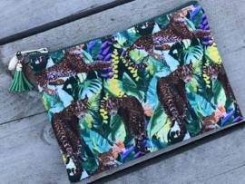 Toilettasje Luipaard - blader print. Multi colour.