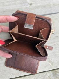 Bag 2 Bag portemonnee, écht leer.  Klein formaat. Brandy (donker bruin)