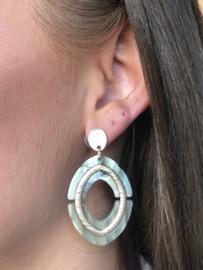 Biba, grote ovalen oorbellen.  Mat Goud - Groentinten.