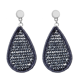 Biba oorbellen. Groot. Druppel vorm. Blauw-grijzige kraaltjes  - glanzend zilver.
