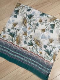 Mooie dunne langwerpige sjaal. Bladeren print, groene rand