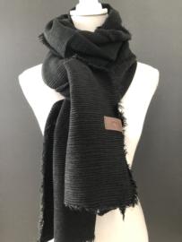 Extra lange soft sjaal Plissé (ribbel) Zwart.