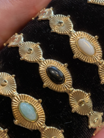 RVS (stainless steel) half open bangle armband gekleurde steen. Goud - ecru.