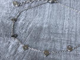 Enkelbandje Stainless steel met bedeltjes. Zilverkleurig.