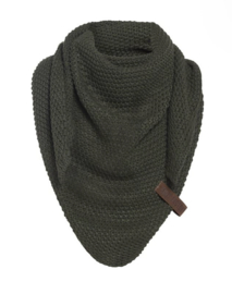 Sjaal/omslagdoek KIDS MAAT van het mooie merk Knit Factory. Khaki (donkergroen)