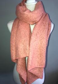 Langwerpige  super soft sjaal. Koraal (donker zalm roze)