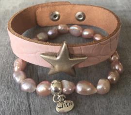Leren armband Croco met zilverkleurige ster stud. Roze.