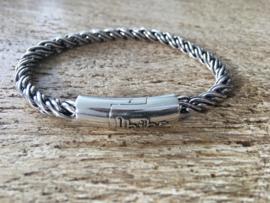 Biba armband, silver plated metaal. Buddha look. Model rond helder zilver.