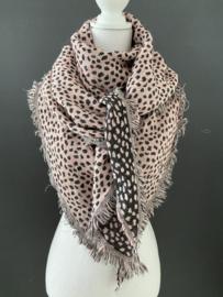 Lichtgewicht cheetah sjaal. 3-hoek vorm. 2 kanten draagbaar. Roze
