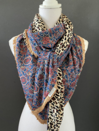 Fancy bloem dessin in blauw - terra / panter print, couture sjaal.