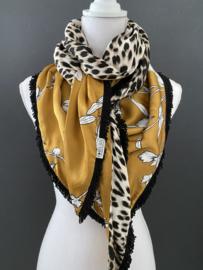 Okergeel bloemen / panterprint achterkant. couture sjaal.