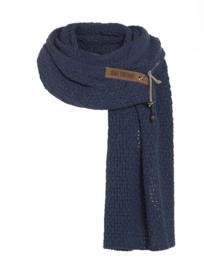 Sjaal  Luna, van het mooie merk Knit Factory.  Navy (Donker jeans Blauw)