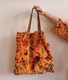 Mooie fluwelen shopper van Imbarro.  Paradise print. Fel oranje
