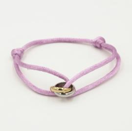 Satijn armbandje met bi-colour RVS (stainless steel) ringen. Lila